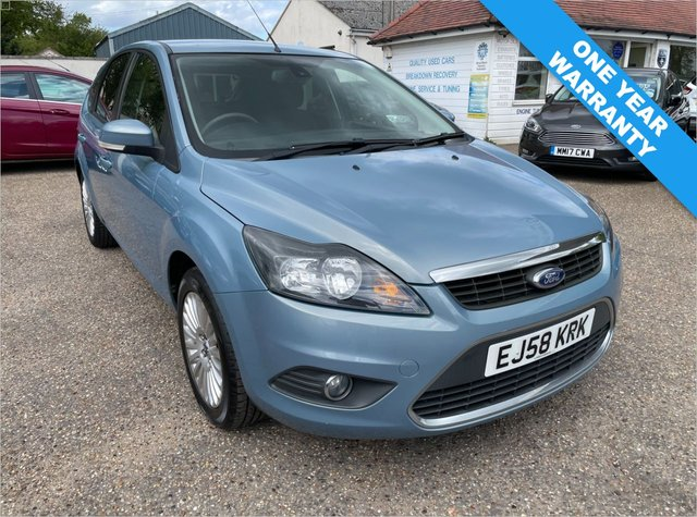 USED 2008 58 FORD FOCUS 1.6 TITANIUM 5d 100 BHP ONE YEAR WARRANTY INCLUDED /  ONE OWNER CAR / FULL HISTORY WITH CAM BELT DONE 2017 / VOICE COMMS / PRIVACY GLASS