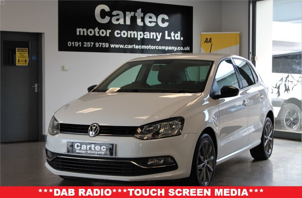 USED 2015 15 VOLKSWAGEN POLO 1.4 SE DESIGN TDI BLUEMOTION 5d 75 BHP ***BLUETOOTH STREAMING***
