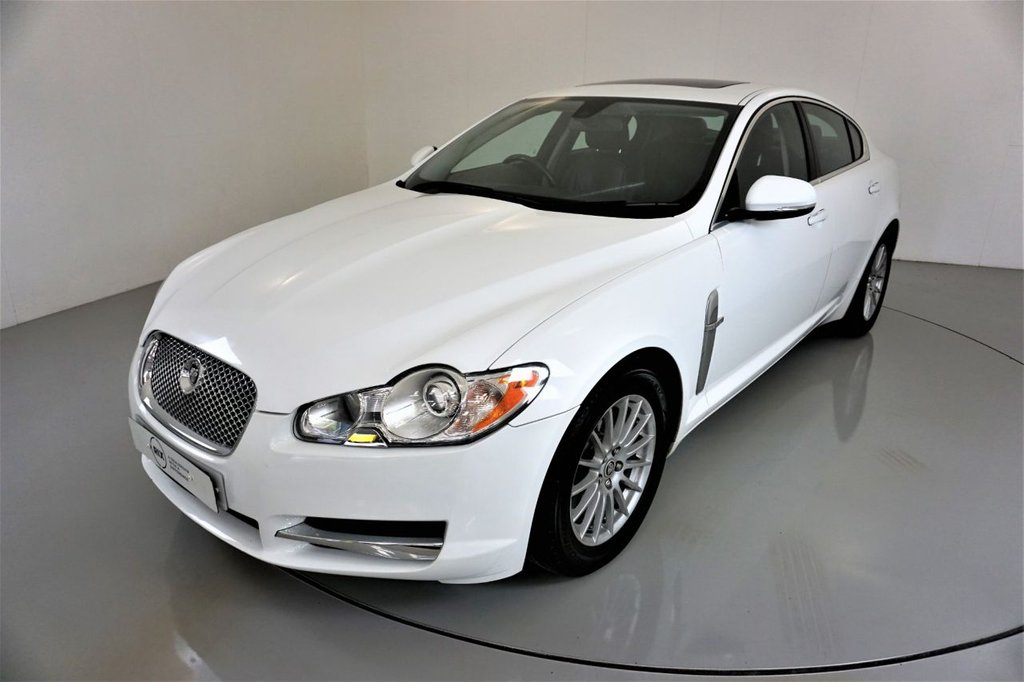 USED 2010 10 JAGUAR XF 3.0 LUXURY V6 4d 238 BHP-BLACK LEATHER-CLIMATE CONTROL-ELECTRIC GLASS SUNROOF-LOW MILEAGE-GOOD SERVICE HISTORY