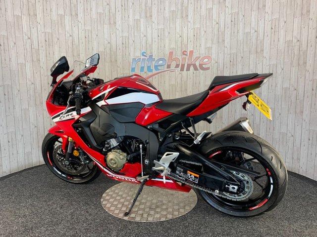 HONDA CBR1000RR FIREBLADE at Rite Bike