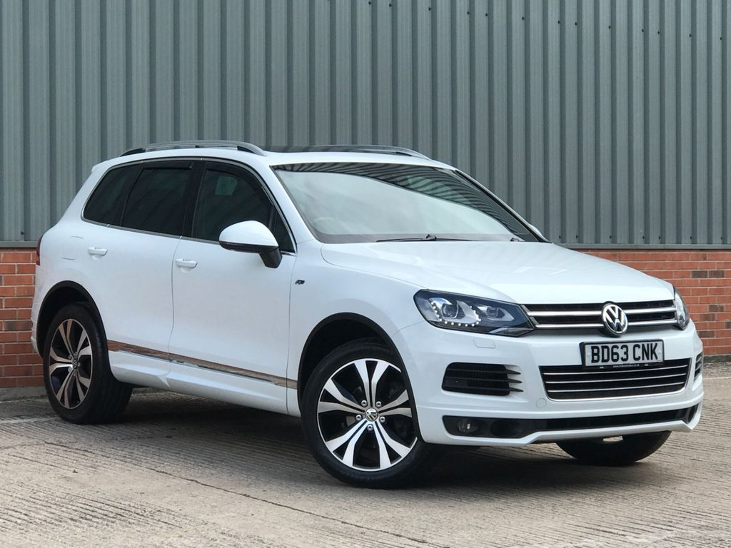 USED 2013 63 VOLKSWAGEN TOUAREG 3.0 V6 R-LINE TDI BLUEMOTION TECHNOLOGY 5d 242 BHP EXCELLENT CONDITION AND FANTASTIC VALUE 4X4