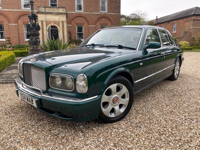 2000 BENTLEY ARNAGE ARNAGE RED LABEL AUTO Lovely example with Full Bentley Dealer Service History 2 x Service Schedule Books full of stamps and also Full Service History invoices from 2006 - 2021