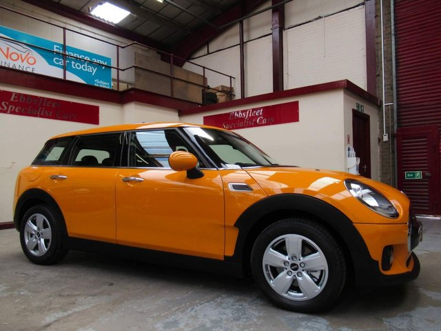 USED 2017 V MINI CLUBMAN 1.5 Cooper Auto (s/s) 6dr ***ONLY 5000 MILES FROM NEW***