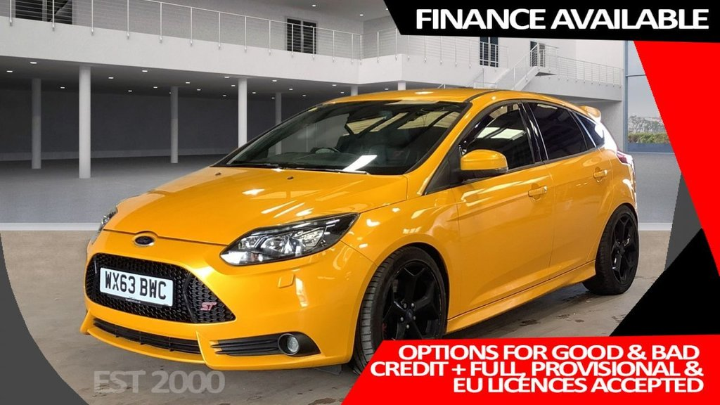 USED 2013 63 FORD FOCUS 2.0 ST-3 5d 247 BHP * CLIMATE CONTROL * PARKING  SENSORS *  FRESH MOT * 18 INCH ALLOY WHEELS *