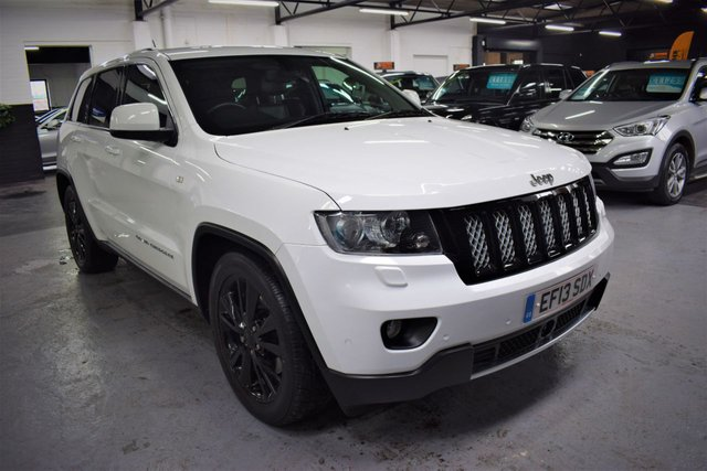 USED 2013 13 JEEP GRAND CHEROKEE 3.0 V6 CRD S-LIMITED 5d 237 BHP RARE LIMITED S SPEC - ONE PREVIOUS KEEPER - LEATHER ALCANTARA - SAT NAV - REVERSE CAMERA - HEATED SEATS - 20 INCH ALLOYS