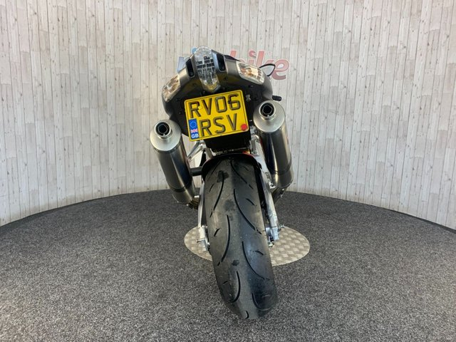 APRILIA RSV1000 at Rite Bike