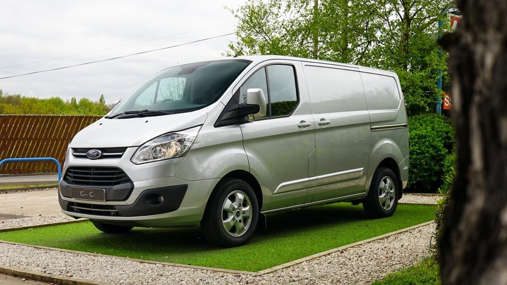 USED 2016 66 FORD TRANSIT CUSTOM 270 LIMITED LR P/V 2.0 270 LIMITED LR P/V 129 BHP High Spec Limited Version with Air Con Bluetooth and Alloy Wheels, Perfectly Cared for and Maintained on Schedule by a Local Mitsubushi Main Agent and it has Only Carried Boxes with New Car Parts