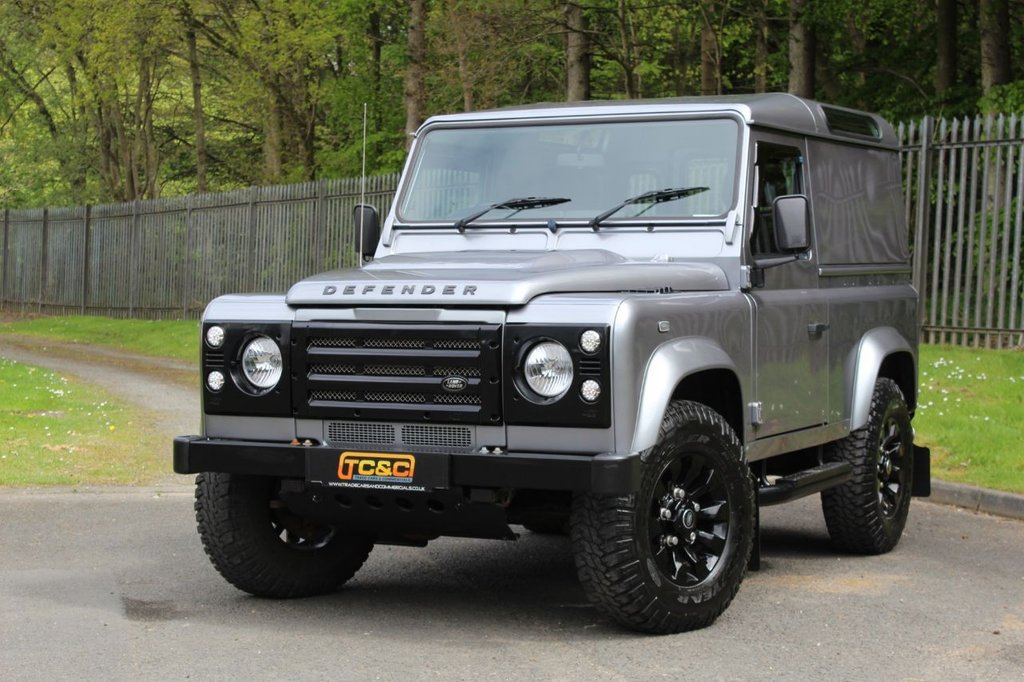 USED 2013 13 LAND ROVER DEFENDER 2.2 TD HARD TOP 122 BHP A STUNNING DEFENDER 90 WITH NO VAT TO BE ADDED, SAWTOOTH ALLOYS AND KBX UPGRADES!!!