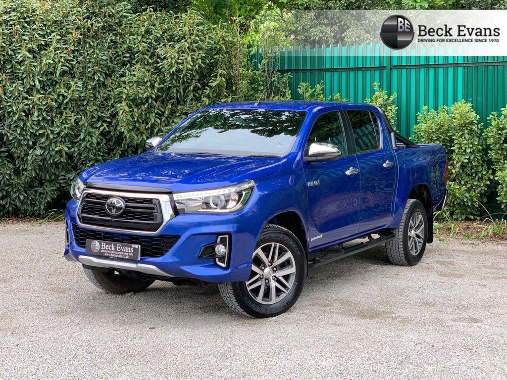 USED 2019 19 TOYOTA HI-LUX 2.4 INVINCIBLE X LIMITED EDITION 4WD D-4D DCB 4d 147 BHP ROLL BARS