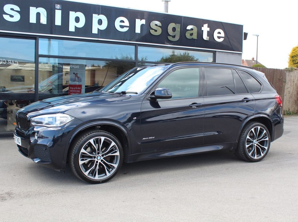 """USED 2017 67 BMW X5 3.0 XDRIVE40D M SPORT 5d 309 BHP Carbon Black Metallic, Full Black Leather Interior, 21"""" Alloy Wheels, Harman Kardon Surround Sound, Reversing Camera, Head Up Display, Individual Roof-railing, Sun Protection Glazing, Auto Dip Mirrors, Electric Seats With Memory, Heated Sports Seats, Tyre Pressure Display, Adaptive M Chassis, M Sports Package, Park Distance Control, Xenon Lights, Light Package, LED Foglights, M Aerodynamics Package, Anthracite Headlining, Road Sign Detection, Service History."""
