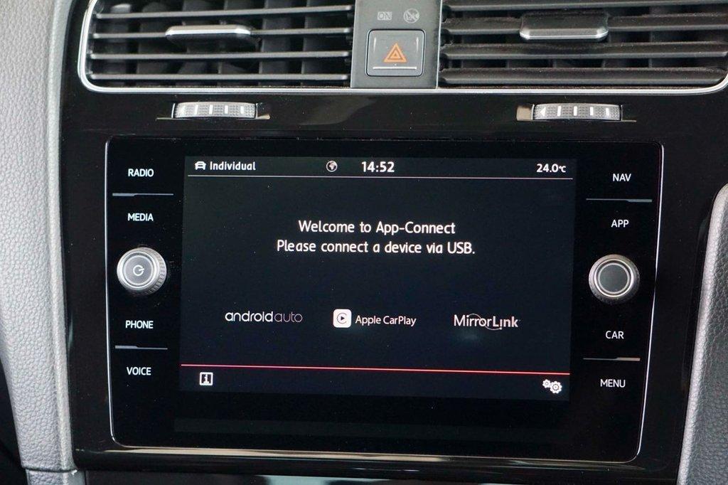 USED 2017 67 VOLKSWAGEN GOLF 2.0 GTI TSI DSG 3d 227 BHP