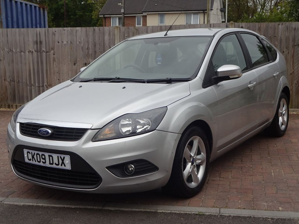 USED 2009 09 FORD FOCUS 1.6 ZETEC 5 DOOR AUTOMATIC CHEAP AUTOMATIC WITH FULL SERVICE HISTORY INCLUDING TIMING BELT