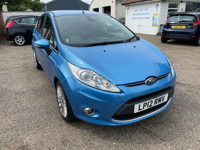 USED 2012 12 FORD FIESTA 1.6 TITANIUM 5d 118 BHP ONE YEAR WARRANTY INCLUDED / FULL FORD SERVICE HISTORY / LOW MILEAGE / KEY LESS ENTRY / PUSH BUTTON START / CRUISE CONTROL / VOIE COMMS / USB / BLUETOOTH