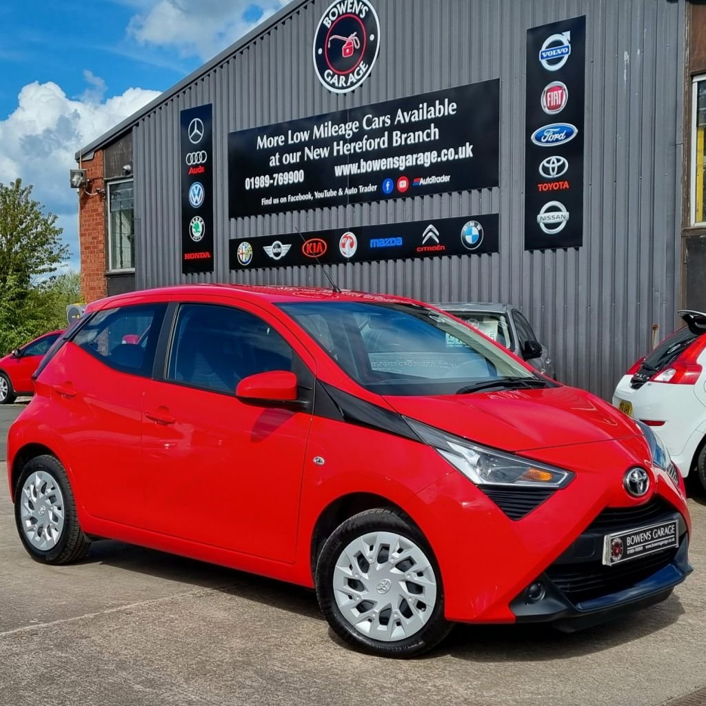 USED 2019 68 TOYOTA AYGO 1.0 VVT-I X-PLAY 5D 69 BHP 1 Owner - Low Miles - 2 Services