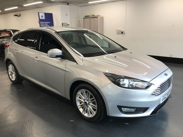 USED 2017 FORD FOCUS 1.0 ZETEC EDITION 5d 124 BHP stunning 1 owner from new with great spec including touchscreen satnav and rear parking sensors