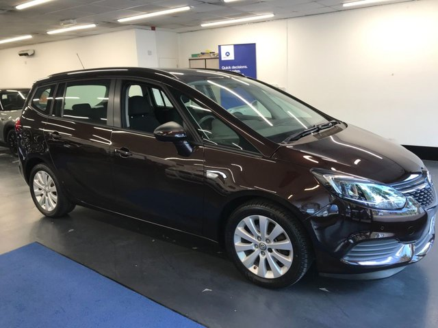 USED 2017 17 VAUXHALL ZAFIRA TOURER 1.4 DESIGN 5d 138 BHP 1 owner from new with great service history