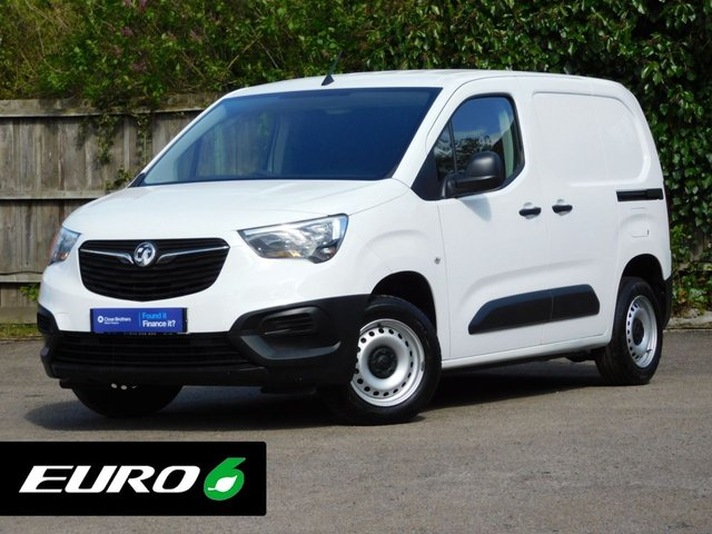 USED 2019 68 VAUXHALL COMBO 1.6 L1H1 2000 EDITION S/S 101 BHP 1-Owner+Bluetooth+Euro 6