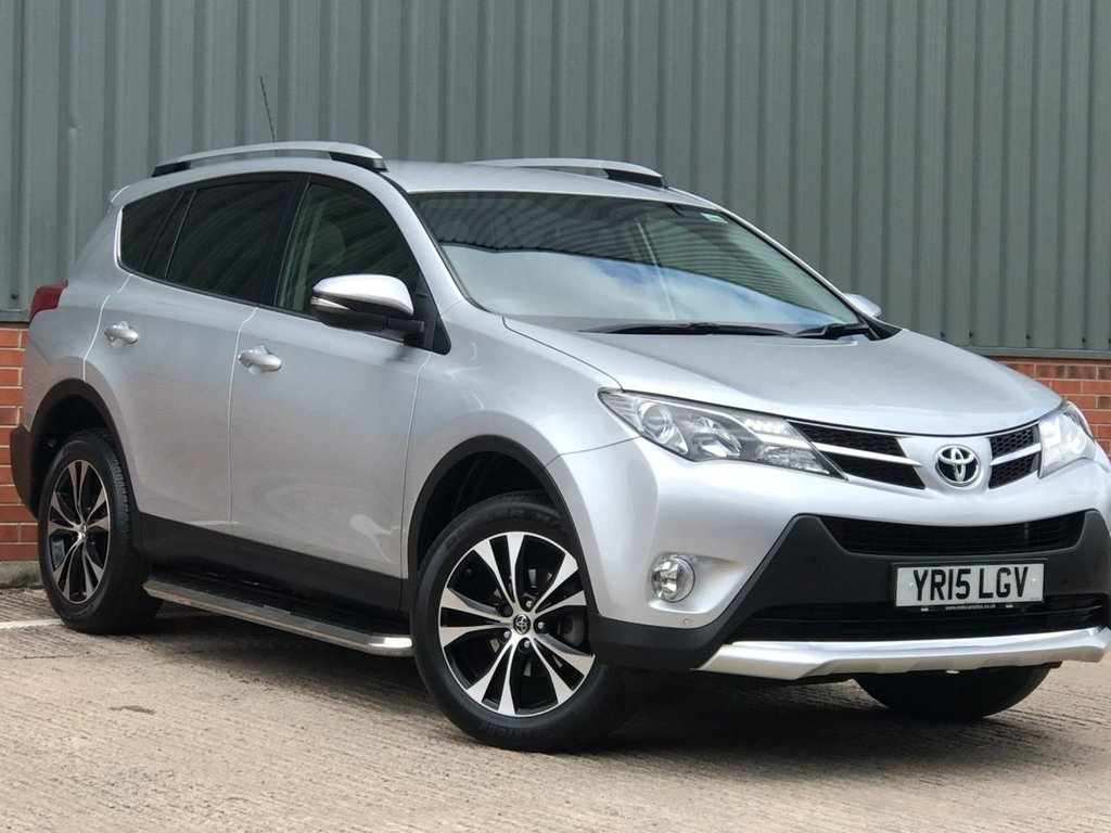 USED 2015 15 TOYOTA RAV4 2.0 VVT-I INVINCIBLE 5d 151 BHP EXCELLENT LOW MILEAGE EXAMPLE