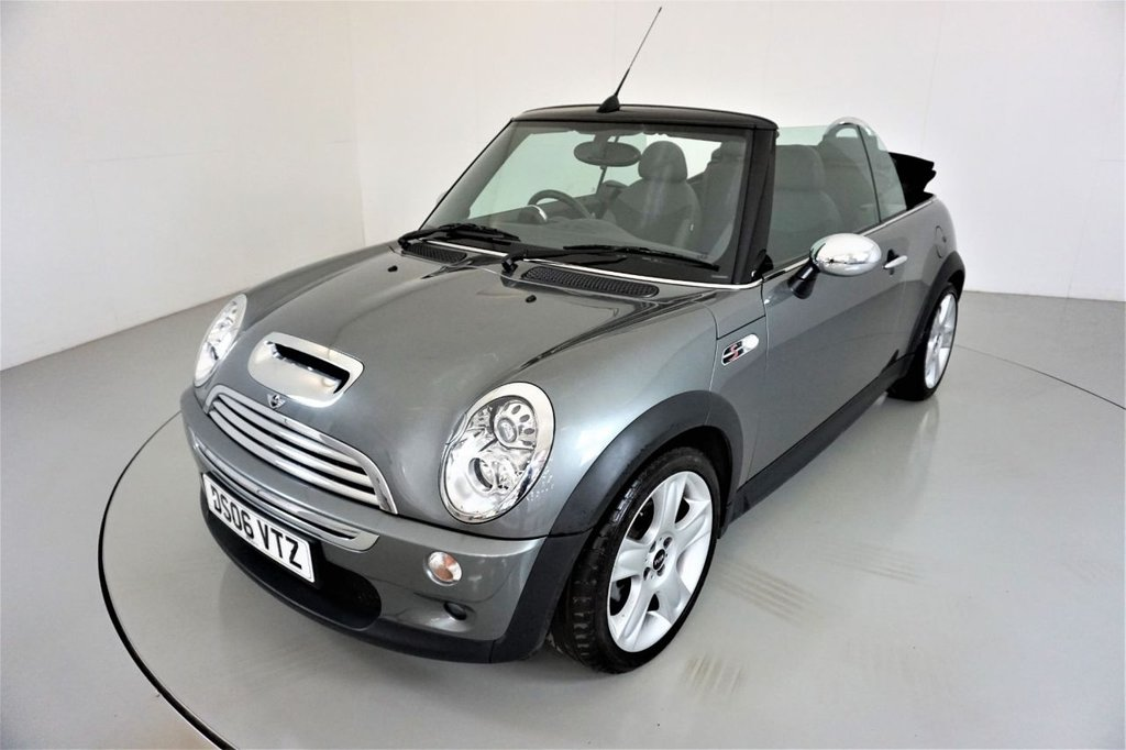 USED 2006 06 MINI CONVERTIBLE 1.6 COOPER S 2d-FANTASTIC MILEAGE-2 OWNER CAR-HALF LEATHER-PARKING SENSORS-XENON HEADLIGHTS-CHILI PACK