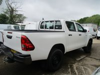 USED 2019 69 TOYOTA HI-LUX 2.4 ACTIVE 4WD D-4D DCB 5d 148 BHP 69 Toyota Hilux Active 2.4 D/cab Four Wheel Drive Toyota Warranty finance available