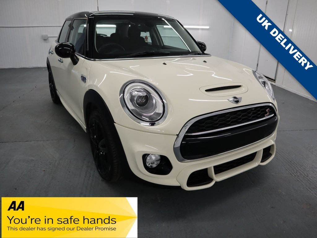 USED 2017 67 MINI HATCH COOPER 2.0 COOPER S JOHN COOPER WORKS SPORT PACK & CHILLI PACK 5d 189 BHP THIS PEPPER WHITE MNI IS LOADED WITH EXTRAS INCLUDING  JOHN COOPER WORKS SPORTS PACK & ROOF SPOILER, DRIVING MODES, EXCITEMENT PACK,INTERIOR LIGHTS PACKAGE AND COMPARTMENT PACK TO NAME JUST A FEW. TOTAL EXTRAS VALUED AT £3,965. ,