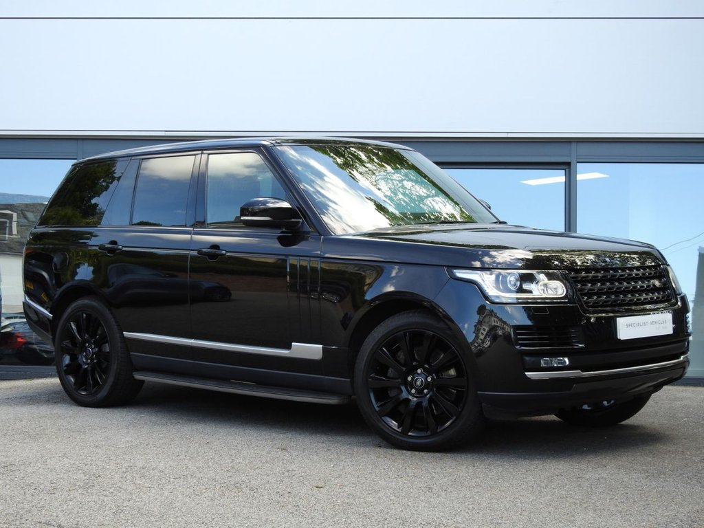 USED 2014 14 LAND ROVER RANGE ROVER 4.4 SDV8 VOGUE 5d 339 BHP This Beautiful Example Comes with a High Specification & Stunning Service History...