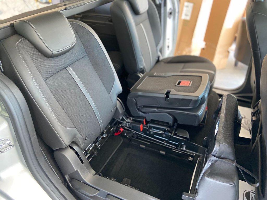 USED 2018 68 FORD GRAND C-MAX 1.0 TITANIUM X 5d 124 BHP Panoramic Sunroof Satellite Navigation 7 Seats