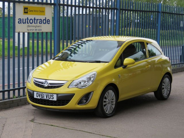 USED 2011 61 VAUXHALL CORSA 1.2 EXCITE AC 3d 83 BHP. ALLOYS-BLUETOOTH-SERVICE HISTORY WITH 7 STAMPS 7 Vauxhall Service Stamps-BLUETOOTH-A/C-ALLOYS-CD-ABS