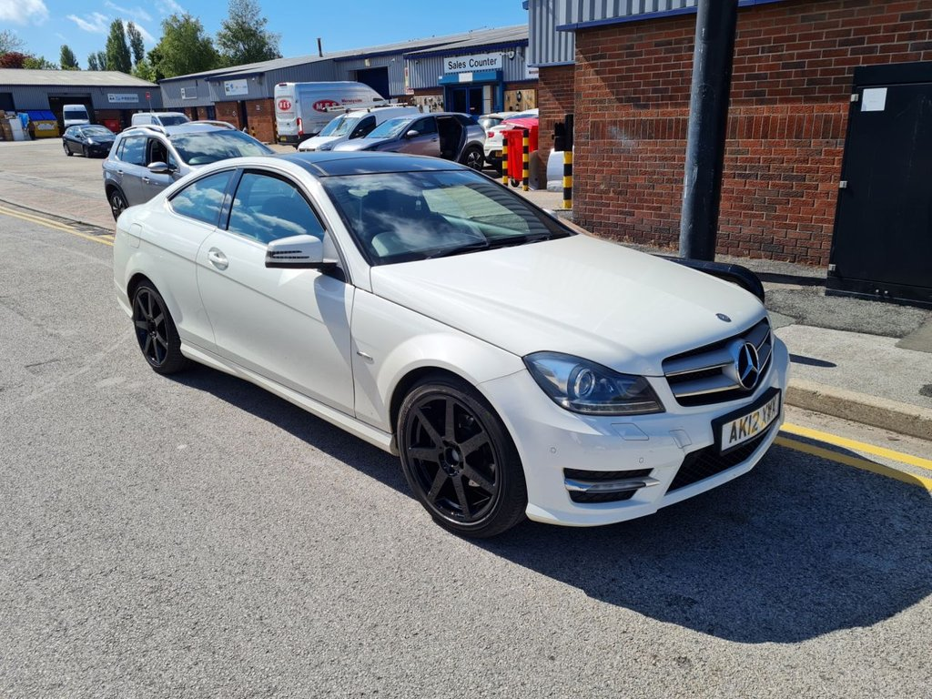 USED 2012 12 MERCEDES-BENZ C-CLASS 1.8 C180 BLUEEFFICIENCY AMG SPORT 2d 156 BHP +PANORAMIC ROOF +LEATHER.