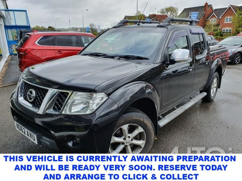 USED 2013 62 NISSAN NAVARA 2.5 DCI TEKNA 4X4 4dr 5 Seat Double Cab Pickup with Massive Spec inc Mountain Top Cover Side Steps Towbar  The Perfect Pick-Up