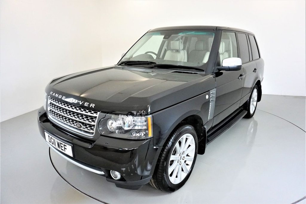 USED 2011 11 LAND ROVER RANGE ROVER 4.4 TDV8 VOGUE 5d 313 BHP-2 FORMER KEEPERS-SUPERB EXAMPLE-SIDE RUNNING BOARDS-ELECTRIC GLASS SUNROOF-HARMAN KARDON-ELECTRIC MEMORY SEATS WITH LUMBAR-AUTO LIGHTS-REVERSE CAMERA-SATNAV-DAB RADIO-MFSW-CRUISE CONTROL-CLIMATE CONTROL-PADDLE SHIFT-HEATED FRONT AND REAR SEATS-IVORY LEATHER WITH BLACK PIPING