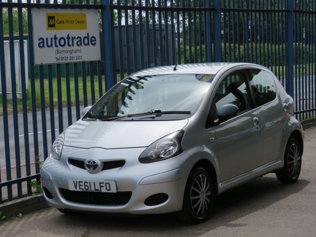 USED 2012 61 TOYOTA AYGO 1.0 VVT-I ICE 5d 68 BHP. 1/2 LEATHER-AIR CON-SERVICE HISTORY-C/D RADIO 1/2 LEATHER-AIR CON-C/D RADIO-ABS-AIRBAG-SERVICE HISTORY 5 STAMPS