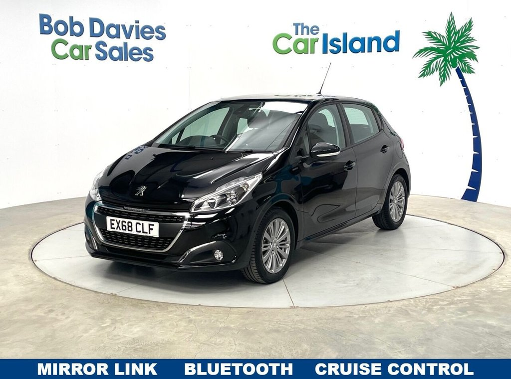 USED 2018 68 PEUGEOT 208 1.2 S/S SIGNATURE 5d 82 BHP Only 6000 MILES 1 Owner Mirror Link Park Sensors