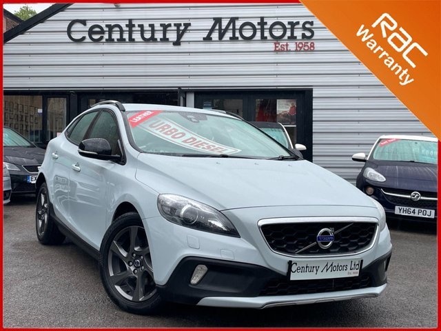 2014 64 VOLVO V40 CROSS COUNTRY 1.6 D2 LUX 5dr - UPGRADE LEATHER