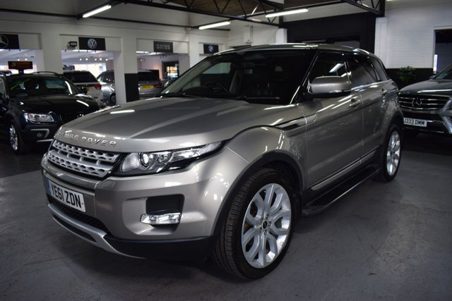 USED 2011 61 LAND ROVER RANGE ROVER EVOQUE 2.2 SD4 PRESTIGE 5d 190 BHP AUTO  LOW MILES - 190 BHP - SD4 4X4 - AUTO - 8 STAMPS TO 56K - LEATHER - NAV - HEATED SEATS - REVERSE CAMERA - SIDE STEPS - PRIVACY