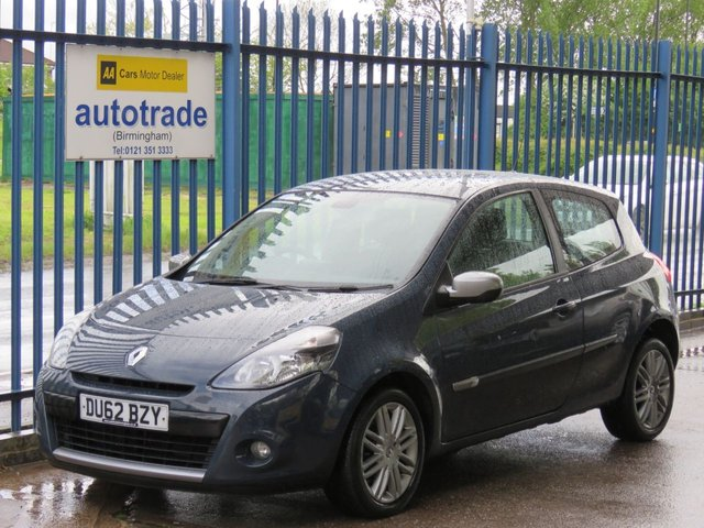 """USED 2012 62 RENAULT CLIO 1.1 DYNAMIQUE TOMTOM 16V 3d 75 BHP. SATELLITE NAVIGATION, ULEZ COMPLIANT, LOW INSURANCE GROUP, GREAT 1ST CAR,  SAT NAV-1/2 LEATHER-BLUETOOTH-16"""" ALLOYS-AIR CON-AUDIO REMOTE-C/D"""