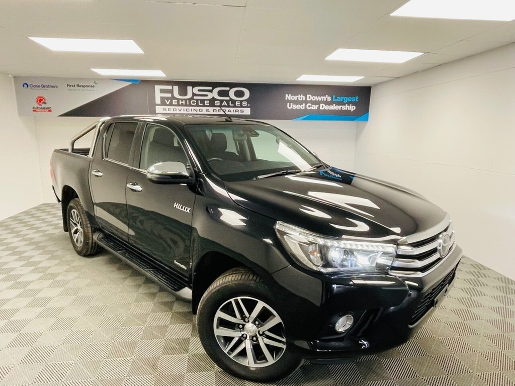 USED 2018 TOYOTA HI-LUX 2.4 INVINCIBLE 4WD D-4D DCB 4d 147 BHP VAT INCLUDED IN PRICE!