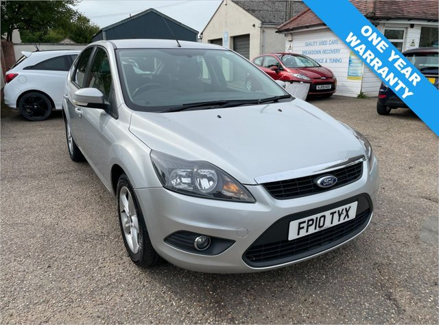 USED 2010 10 FORD FOCUS 1.6 ZETEC 5d 100 BHP ONE YEAR WARRANTY INCLUDED / FULL HISTORY X 10 STAMPS / CAM BELT DONE DEC 20