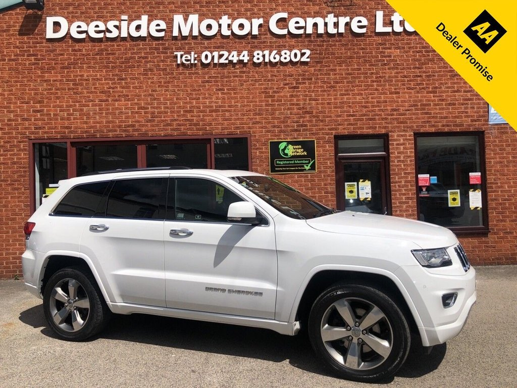 USED 2017 67 JEEP GRAND CHEROKEE 3.0 V6 CRD OVERLAND 5d 247 BHP Twin sunroofs : Bluetooth  :  Sat Nav  :  DAB Radio  :  Leather upholstery  :  Electric/Heated front seats  :  Heated rear seats  :  Isofix fittings  :  Heated steering wheel  :  Cruise control  :   Air-conditioning   :   Cruise control   :   Jeep Selec-Terrain system   :   Rear view camera   :   Front + rear parking sensors  :  Remotely operated tailgate