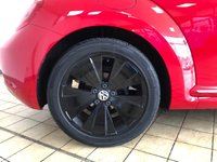 USED 2014 14 VOLKSWAGEN BEETLE 1.6 DESIGN TDI BLUEMOTION TECHNOLOGY 3d Stunning Hatchback in Red with Black Alloys and Lovely Low Mileage plus Cambelt & Water Pump replaced June 2020 Stunning in Tornado Red
