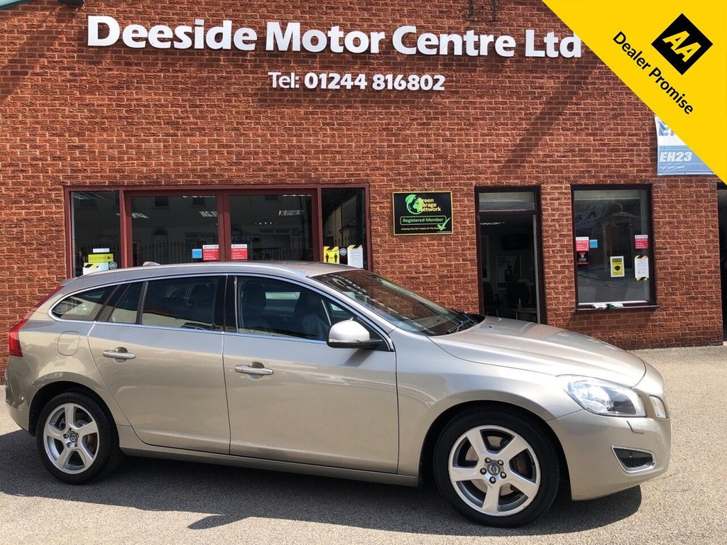 USED 2012 12 VOLVO V60 2.4 D5 SE LUX 5d 212 BHP Bluetooth : Sat Nav :  Leather upholstery  :  Electric/Memory drivers seat  :  Heated front seats  :  Isofix fittings  : Air-conditioning/Climate control : Volvo City Safety system : Volvo Active bending lights : Front + rear parking sensors
