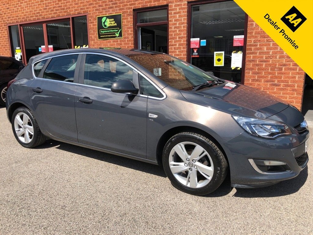 USED 2012 62 VAUXHALL ASTRA 1.4 SRI 5d 98 BHP Cloth upholstery  :  Isofix fittings  :     Air-conditioning/Climate control   :   Cruise control/Speed limiter   :   Rear parcel shelf   :     Front + rear parking sensors