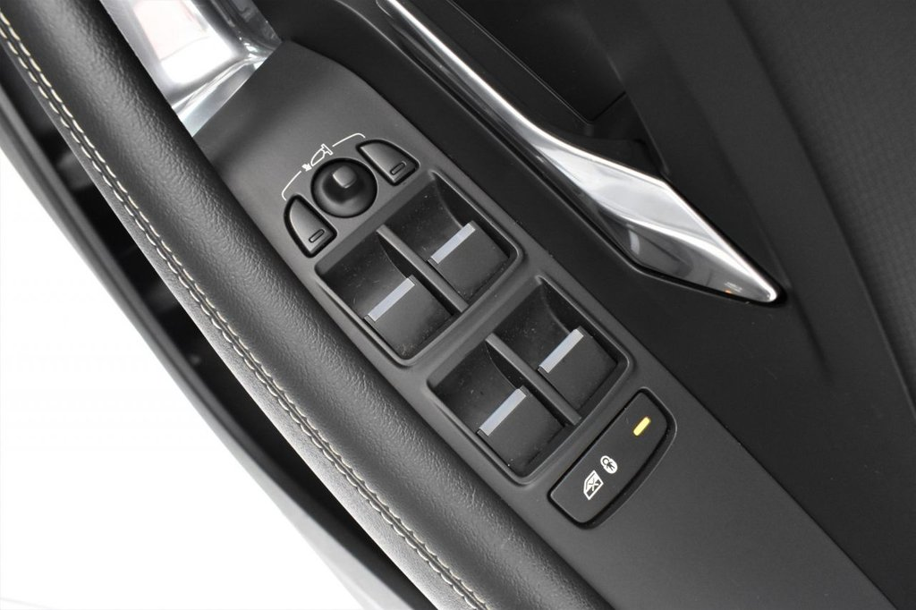 USED 2018 18 JAGUAR E-PACE 2.0 R-DYNAMIC 5 DOOR