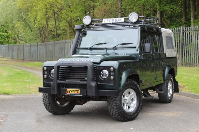 2009 09 LAND ROVER DEFENDER 2.4 110 COUNTY DCB 4d 122 BHP