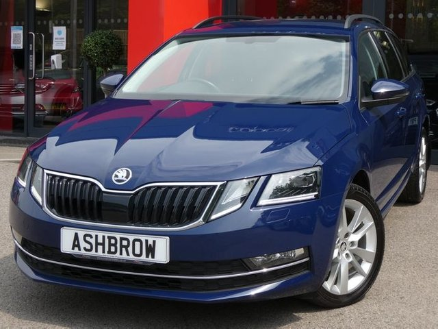 USED 2018 18 SKODA OCTAVIA ESTATE 1.6 TDI SE L DSG 5d 115 S/S 1 OWNER FROM NEW, FULL SERVICE HISTORY,  UPGRADE HEATED FRONT SEATS, SAT NAV, LEATHER ALCANTARA INTERIOR, SMART LINK FOR APPLE CARPLAY / ANDROID AUTO, DAB RADIO, BLUETOOTH PHONE & MUSIC, REAR PARKING SENSORS WITH DISPLAY (PARK PILOT), USB INPUT, CRUISE CONTROL, FRONT ASSIST AMBEINT TRAFFIC MONITORING, MANOEUVRE BRAKING, ELECTRIC FOLDING HEATED DOOR MIRRORS, DSG AUTOMATIC,  LED XENONS, REAR MUD FLAPS, LEATHER MULTIFUNCTION STEERING WHEEL, LIGHT & RAIN SENSORS, VOICE CONTROL, CLIMATE CONTROL, VATQ