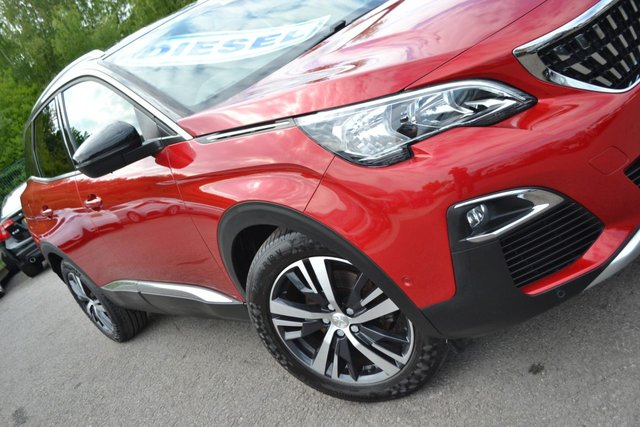 USED 2018 A PEUGEOT 3008 1.6 BLUEHDI S/S ALLURE 5d 120 BHP ~ SAT NAV ~ REVERSE CAMERA SAT NAV ~ REVERSE CAMERA ~ FULL PEUGEOT SERVICE RECORDS