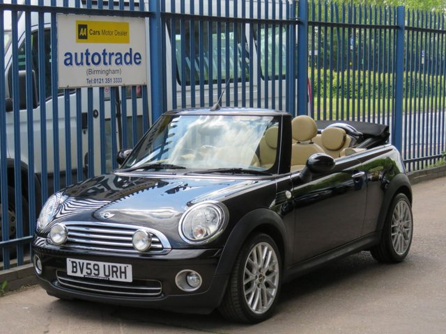 """USED 2009 59 MINI CONVERTIBLE 1.6 COOPER 2d 120 BHP.1 LADY OWNER- JCW ALLOYS-FULL LEATHER-CLIMATE CONTROL 1 Lady Owner-Convertible with Full Leather-JCW 18""""Alloy Wheels-Climate Control"""