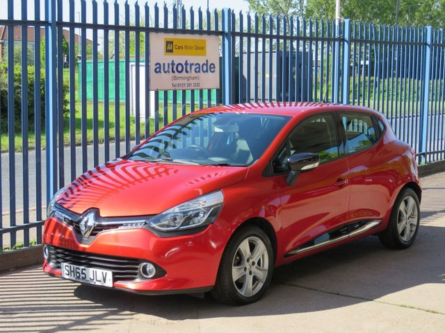USED 2015 65 RENAULT CLIO 1.5 DYNAMIQUE NAV DCI 5d 89 BHP. SAT NAV-BLUETOOTH-CRUISE-ALLOYS SAT NAV-CRUISE-A/C-ALLOYS-ABS-SERVICE HISTORY 3 STAMPS-BLUETOOTH