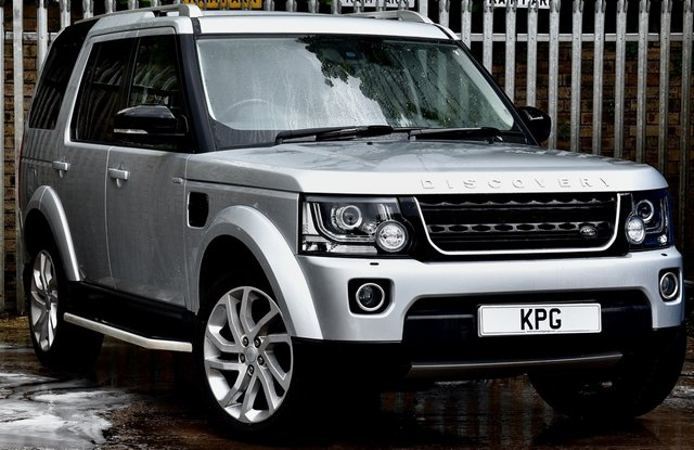 USED 2016 66 LAND ROVER DISCOVERY 4 3.0 SD V6 Landmark (s/s) 5dr Rear Media, Pan Roof, DVD/TV +