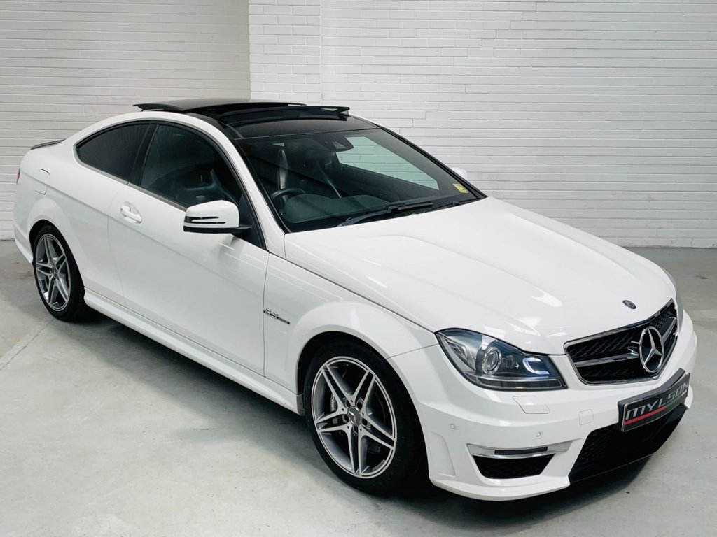 USED 2014 64 MERCEDES-BENZ C-CLASS 6.2 C63 AMG 2d 457 BHP Mercedes Service History|Ultra Low Miles|FINANCE